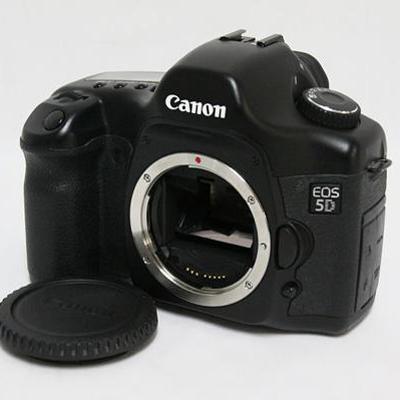Canon �L���m�� | EOS 5D �{�f�B�b���Ô��承�i 30000�~