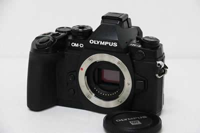 OLYMPUS オリンパス OM-D E-M1 ボディ