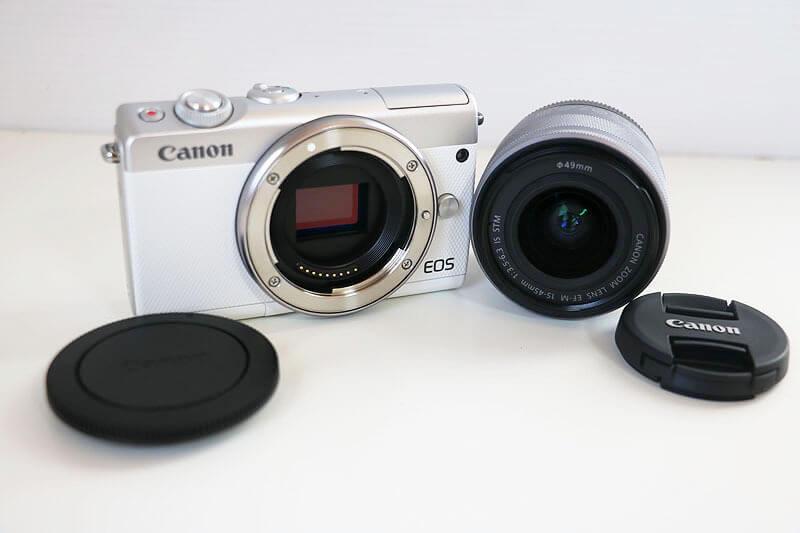 【買取実績】Canon(キャノン) EOS M100(WH) EF-M 15-45 レンズキット