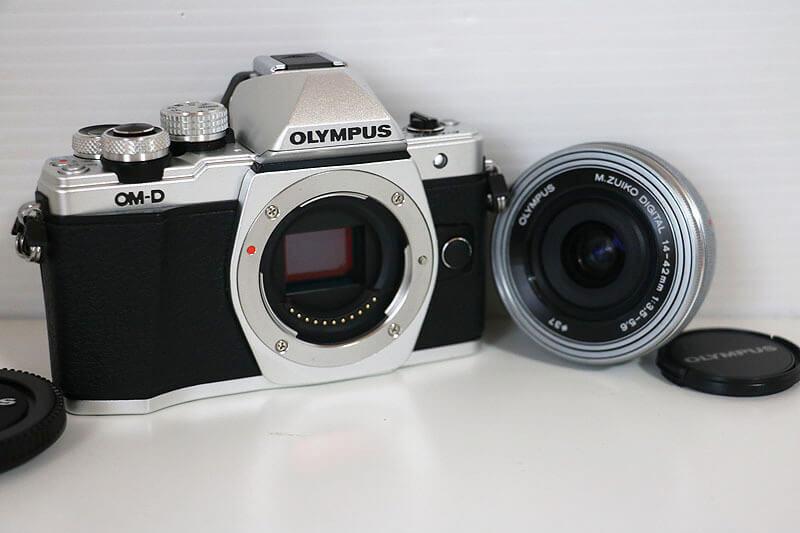 【買取実績】OLYMPUS オリンパス OM-D E-M10 MarkII 14-42mm EZレンズキット