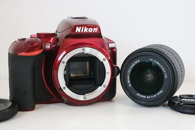 【買取実績】Nikon ニコン D5500 18-55 VR Ⅱレンズキット RED