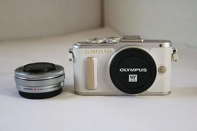 【買取実績】OLYMPUS オリンパス PEN E-PL8 14-42mm EZレンズキット ホワイト
